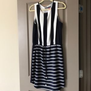 Vince Camuto Navy & White Dress